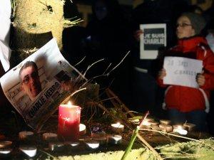 Фото: На Полтавщині вшанують пам'ять жертв теракту у Франції
