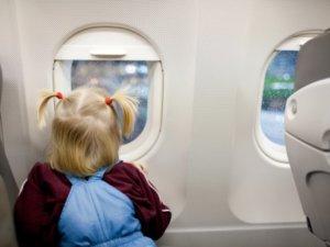 Фото: Українських дітей не випустять за кордон без паспорта