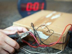 Фото: У підозрілому пакунку на пошті у Полтаві був муляж бомби