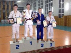 Фото: Спортсмени з Комсомольська завоювали дві медалі у Луцьку