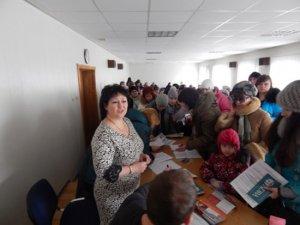 Фото: У Лубнах переселенцям вручили ваучери на купівлю необхідних речей