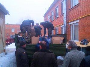 Фото: Полтавські волонтери передали для військових із Краматорська продукти і воду