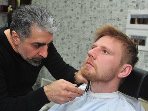 Фото: Майстер-перукар Мустафа Каратепе: ви матимете природний і дорогий вигляд