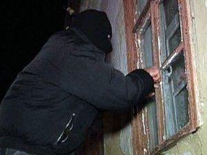 Фото: Міліція розшукує осіб, які вчинили розбійний напад на родину в Полтавській області