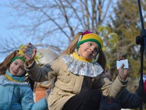 Фото: Зиму проводжали, весну зустрічали: свято Масляної у Полтаві для дітей