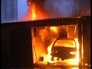 Фото: На Полтавщині в гаражі згоріла людина
