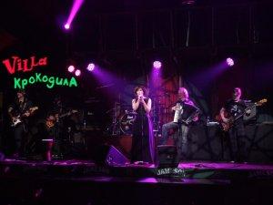 Відома радіоведуча Соня Сотник співала й танцювала разом з полтавцями