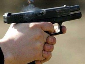 Фото: У Полтаві чоловік відкрив стрілянину в людному місці: є поранені