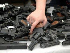 Полтавців просять добровільно здавати зброю