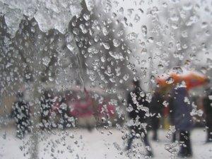 Фото: Полтавські еменесники попереджають про можливі зливи  та сильні пориви вітру в області