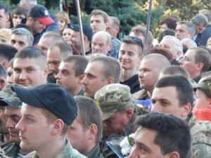 Фото: 150 демобілізованих бійців повернулися на Полтавщину (ФОТО)