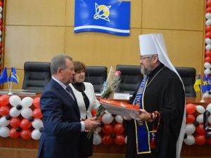 Фото: Митрополит Филип став Почесним громадянином Комсомольська