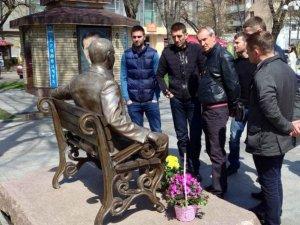 """Фото: Футболісти """"Ворскли"""" вшанували пам'ять Олега Бабаєва"""