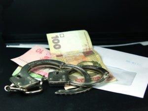Фото: На Полтавщині слідчий вимагав хабара за повернення транспортного засобу