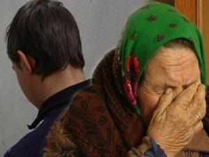 Фото: На Полтавщині чоловік за 20 гривень ледве не до смерті побив бабусю