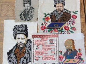 Фото: «Вишитий Шевченко»: портрети Кобзаря від чотирьох поколінь однієї родини