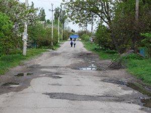 Фото: Ремонт доріг у Полтаві: половина ям так і залишились ямами