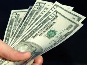 Фото: Долар в Україні знову став дорожчим