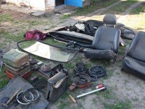 Крадій на Полтавщині вкрав шість автомобілів і тримав вдома гранату