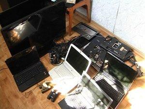 Фото: У Полтаві затримали чоловіків, які скоїли більше 50 квартирних крадіжок