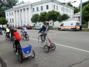 Фото: У Полтаві пройшов наймасштабніший «Велодень» (фото)