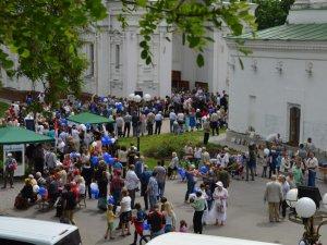 Скеледром і бандерівські бургери – Полтава ярмаркує біля собору (ВІДЕО)