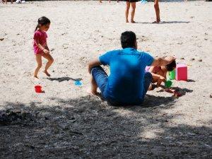 Фото: Чи готові полтавські міські пляжі до літнього сезону: перший  пляж – немає туалетів та мало наметів від сонця