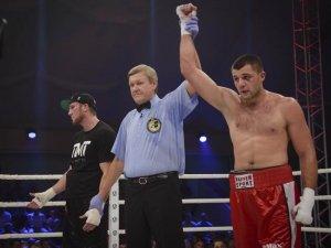 Боксер із Кременчука здобув чергову перемогу на профі-рингу