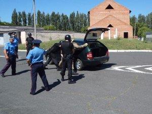 Фото: Полтавські міліціонери  відпрацювали екстремальні ситуації під час служби в АТО