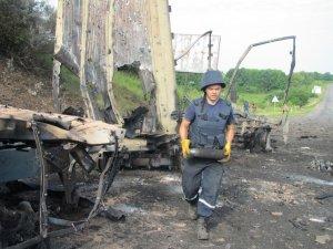 Фото: Сапери знищили снаряди, які розлетілися під час вибуху військової вантажівки в Полтаві