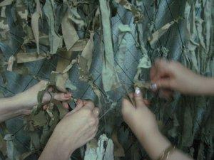 Фото: Полтавським волонтерам не вистачає рук і матеріалів для маскувальних сіток