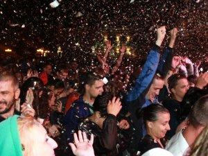 Фото: Полтавців із Днем молоді привітав гурт «Друга ріка»