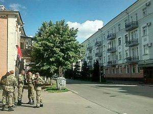 Фото: «Правий сектор» Полтави пікетує обласне УМВС
