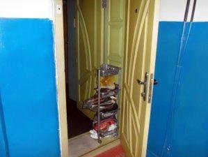 Фото: Пильні мешканці будинку допомогли затримати квартирного злодія в Полтаві