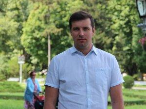 Фото: «Совість України» Мамая плює на учасників АТО