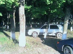 Фото: На Полтавщині у парку облаштували автостоянку