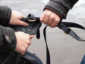 Фото: У Полтаві затримали злодія, який грабував на вулиці літніх жінок