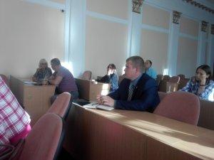 Фото: Перші засідання виборчих комісій на Полтавщині пройшли без необхідного інвентарю та календарного плану