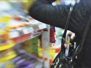 Жителька Чутового може потрапити за ґрати на 5 років за крадіжки із супермаркету