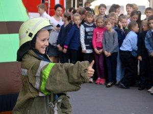 Полтавські рятувальники влаштували конкурси для дітей (фото)