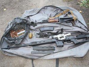 Фото: На Полтавщині затримали «домушників» із цілим арсеналом зброї