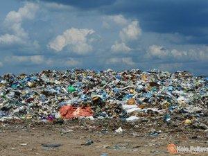 Фото: Під Полтавою горить скандальне Макухівське сміттєзвалище