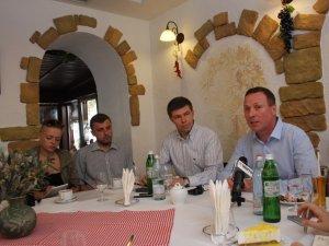 Фото: Андрій Матковський поспілкувався з журналістами за кавою