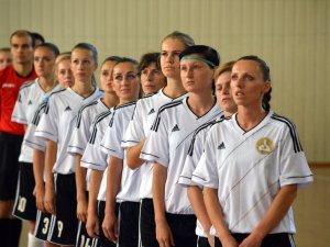 Фото: Колишня «Ніка» впевнено перемогла на старті чемпіонату (фото)
