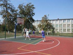 Фото: В Глобиному вперше провели змагання з стрітболу