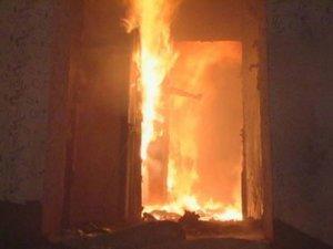 Фото: У Полтаві двоє людей постраждали під час пожежі