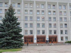 У Полтавській ОДА виник конфлікт між громадськими активістами: застосували сльозогінний газ