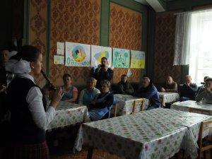 Фото: Школярі привітали військовослужбовців у полтавському госпіталі із Днем захисника України (фото)