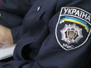 Фото: Полтавську викладачку начального закладу підозрюють у порушенні порядку розміщення агіток