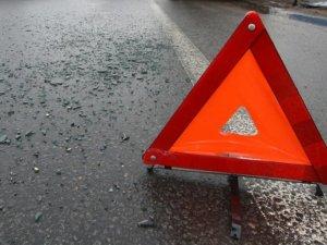 Фото: Унаслідок зіткнення вантажівки і легковика у Миргороді постраждала людина
